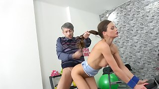 Nerdy building inspector loads with luscious MILF Tina Kay