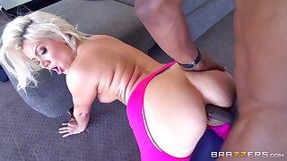 Ace interracial anal smashing be incumbent on glum blonde yogi Layla Imbue