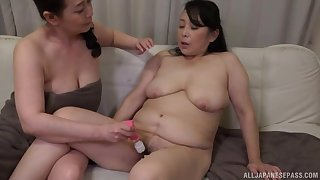 Chubby Japanese chicks drop their towels on touching have nance sex