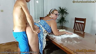 Meaningful Cooking Mom Gets A Fuck From Her Lass Right In Her Kitchenette  - MILF NiuraKoshkina