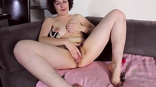 Nerdy Mom Plays With Her Hairy Pussy