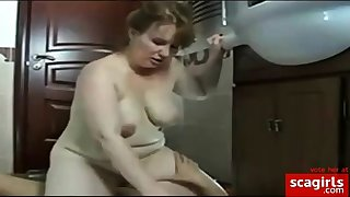 mature lady does young impoverish