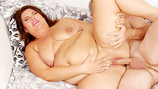 Fat Brunette Mommy Danni Dawson Has Her Pussy Pounded Hard by a Grandpa